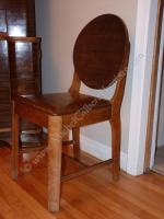 Cinq chaises droites / Five straight chairs